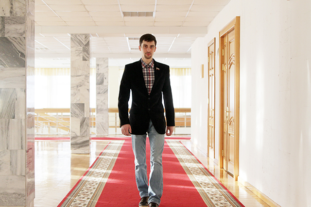 Лучшая работа в мире. Депутат. Антон Шарыпов (2)