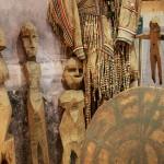 Краеведческий музей, здесь много этнографических диковинок. Есть и деревянные тунгусские идолы, и кетский бубен шамана из кожи, железа и дерева.