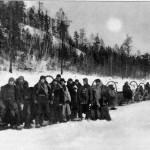 Обоз экспедиции Кулика на реке Ангаре в конце зимы 1929 года.