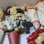 На создание первой серии «Сказок томских домовых» у «Хрустальной горы» ушло семь килограммов сырья, четыре месяца монотонного труда. Над пластилиновыми персонажами корпело десять человек, зачастую до поздней ночи.